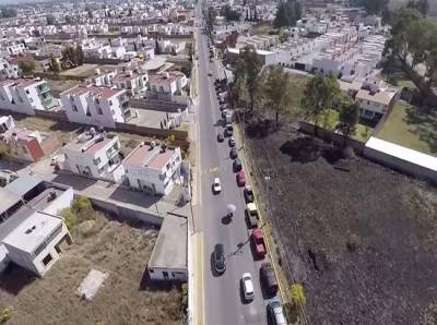 VIDEO: Fila de hasta 2 kilómetros en el verificentro de Cholula