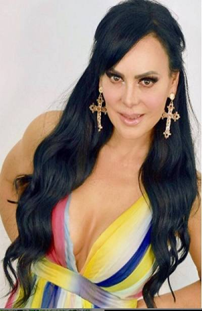 "Maribel Guardia se dejó ver ""al natural"""