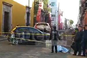 VIDEO: Motociclista y tamalero mueren tras accidentes en calles de Puebla