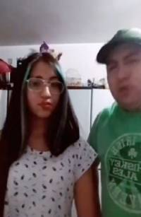 VIDEO: Padre regaña a su hija por grabar TikTok haciendo twerking